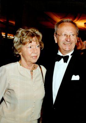 Firmengründer Max Frisch mit Ehefrau Irmgard